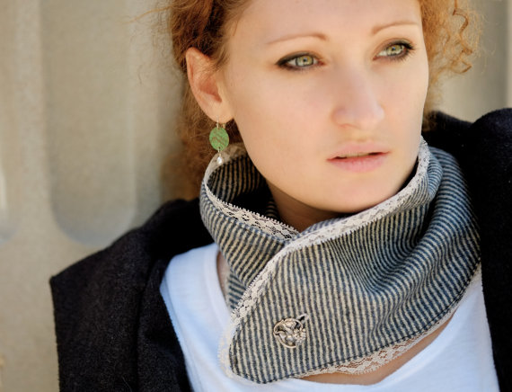 Beautiful light blue, and lace neck warmer! Pic by Accessodium.