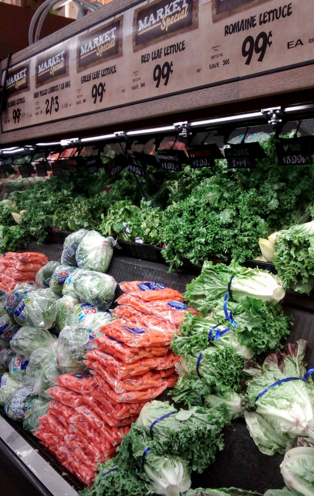 Fresh Thyme Market: My First Visit, and Why I'll Be Back #freshthymemarket #freshthyme #naturalfood #organicfood #aldi #blog #ultrablog #blogger